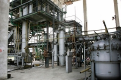 The technological equipment for continuous and static extraction, as well as extraction with a floating filter has a total capacity for production of 2000 to 2500 kg of rose concrete and about 500 kg of rose absolute, as well as other types of natural aromatic products.